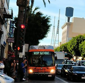 20-1-31-bus-rip-kobe-la-2