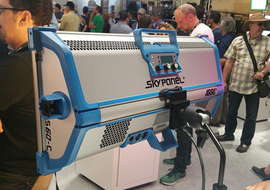 Cine Gear Expo 2016: A Closer Look at the SkyPanel from ARRI 1