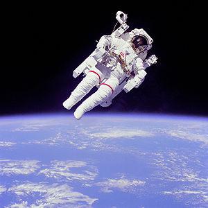 300px-astronaut-eva-4955365