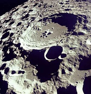 300px-moon_dedal_crater-1365516