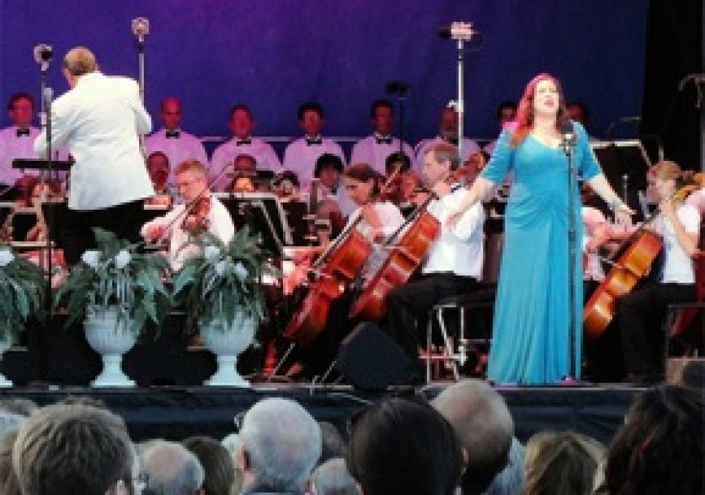 Full Compass Systems Sponsors 12th Annual Opera in the Park 3