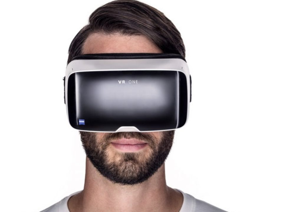 Zeiss VR ONE Headset Wins iF Design Award 7
