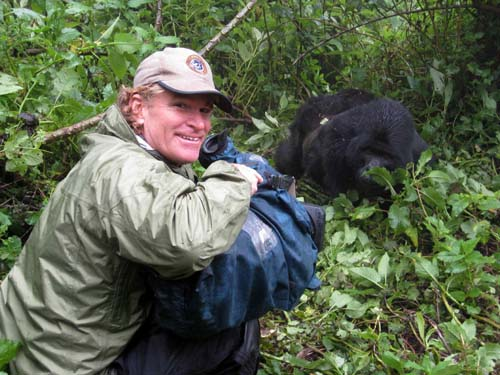 Wildlife Cinematographer Bob Poole captures Gorilla FOOTAGE with Lightweight fujinon 25x HD zoom 1