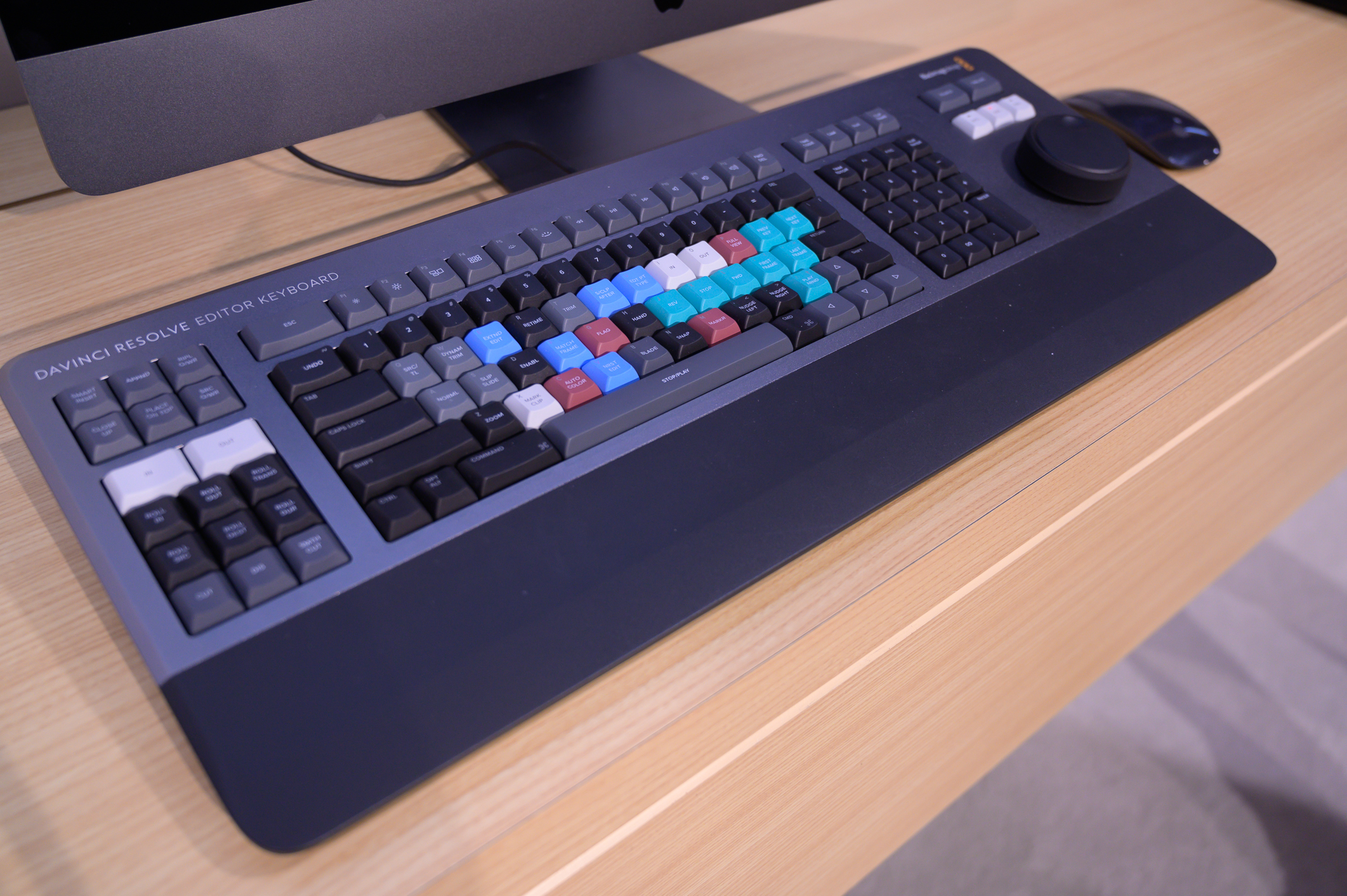 DaVinci Resolve Editor Keyboard from side