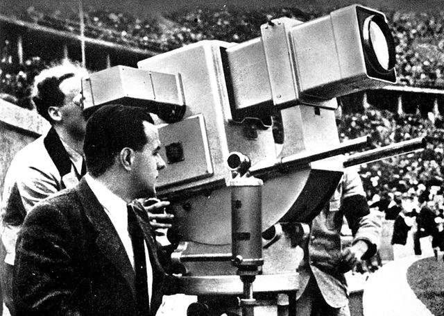 Telefunken Camera at 1936 Olympics. By Telefunken-Bild, Berlin via Wikipedia