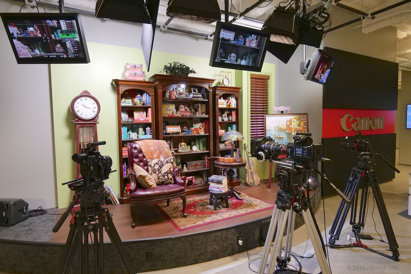 The pretty-pictures set, with two C200s and a C700