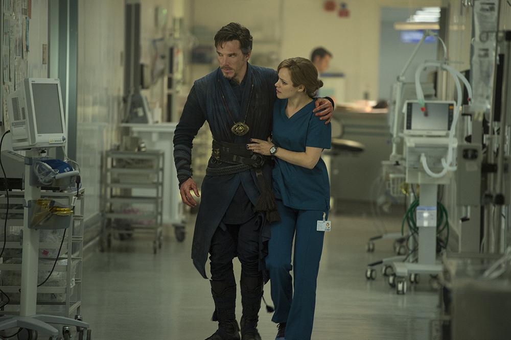 Marvel's DOCTOR STRANGE..L to R: Doctor Stephen Strange (Benedict Cumberbatch) and Christine Palmer (Rachel McAdams)..Photo Credit: Jay Maidment..©2016 Marvel. All Rights Reserved.