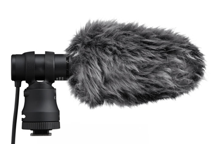Canon's new Tripod Grip and Stereo Microphone for vloggers 8