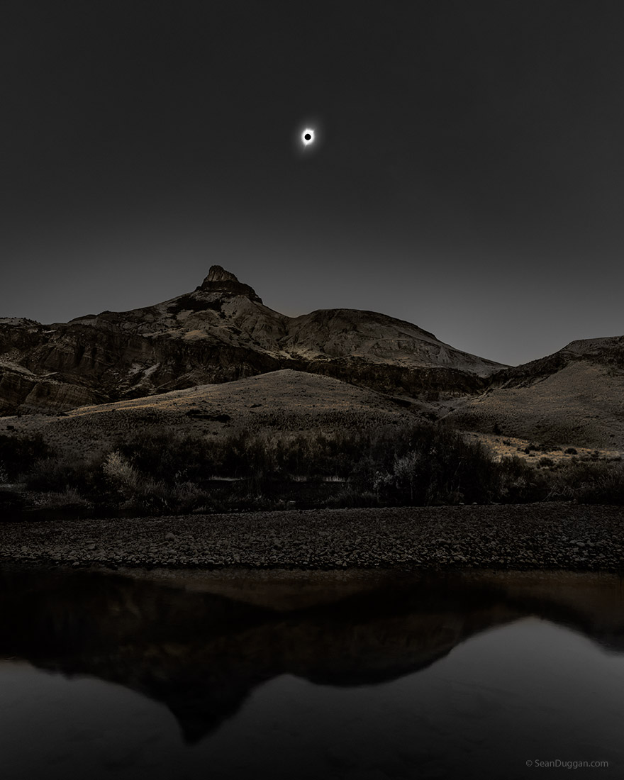 The Sun & Moon: Artistry of the 2017 Solar Eclipse 16