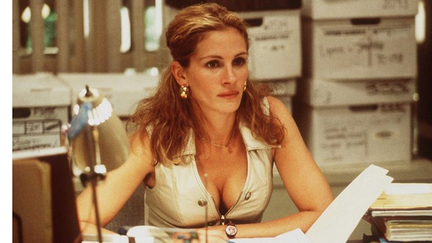 2000 Julia Roberts Stars In The Movie Erin Brockovich. (Photo By Getty Images)