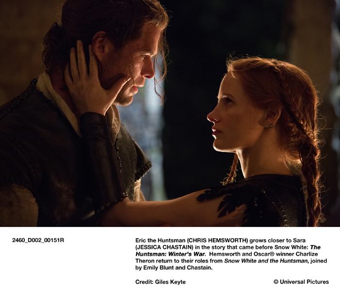 Eric the Huntsman (CHRIS HEMSWORTH) grows closer to Sara (JESSICA CHASTAIN) in the story that came before Snow White: The Huntsman: Winter's War. Hemsworth and Oscar® winner Charlize Theron return to their roles from Snow White and the Huntsman, joined by Emily Blunt and Chastain.