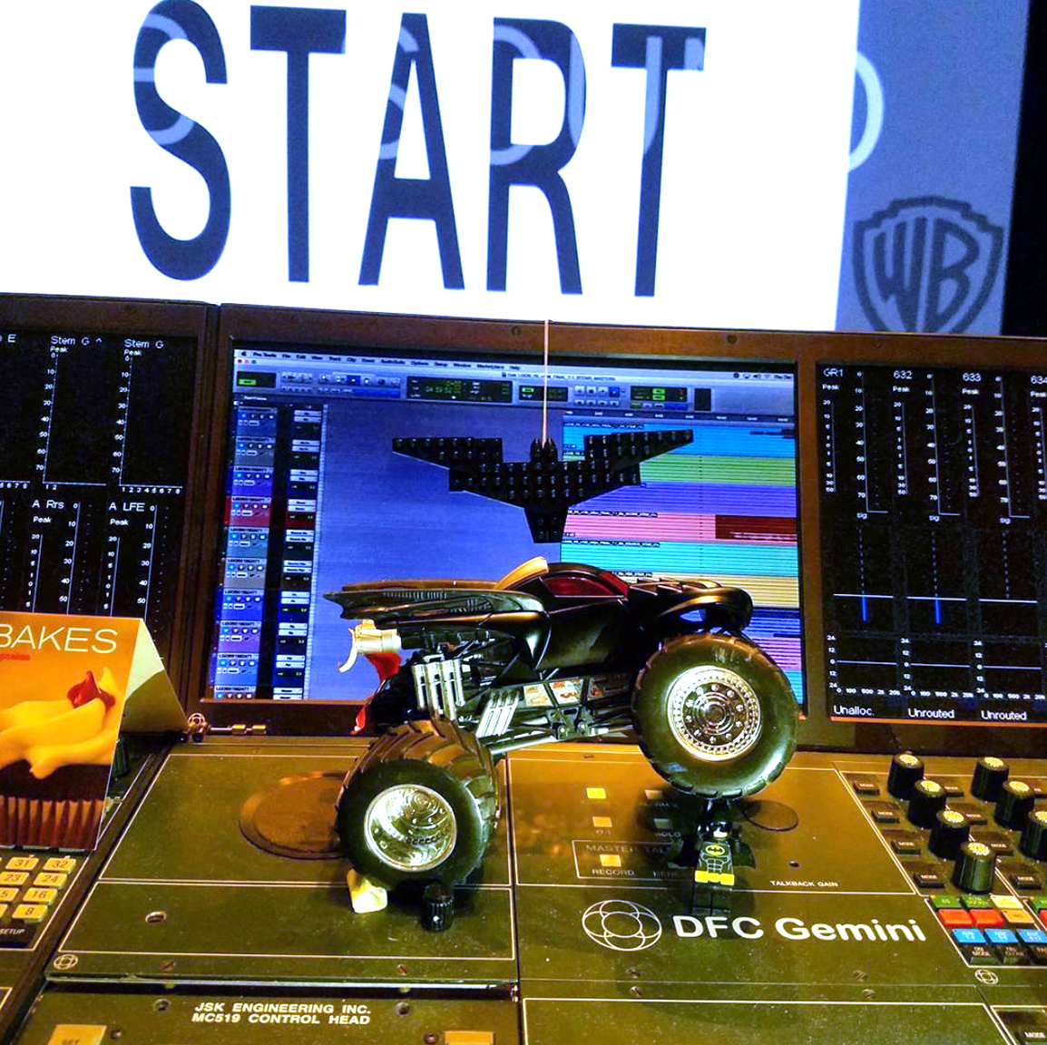 DFC_Lego_Batman Mix