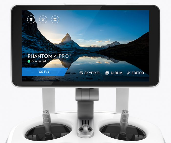 DJI Phantom 4 Pro built-in screen