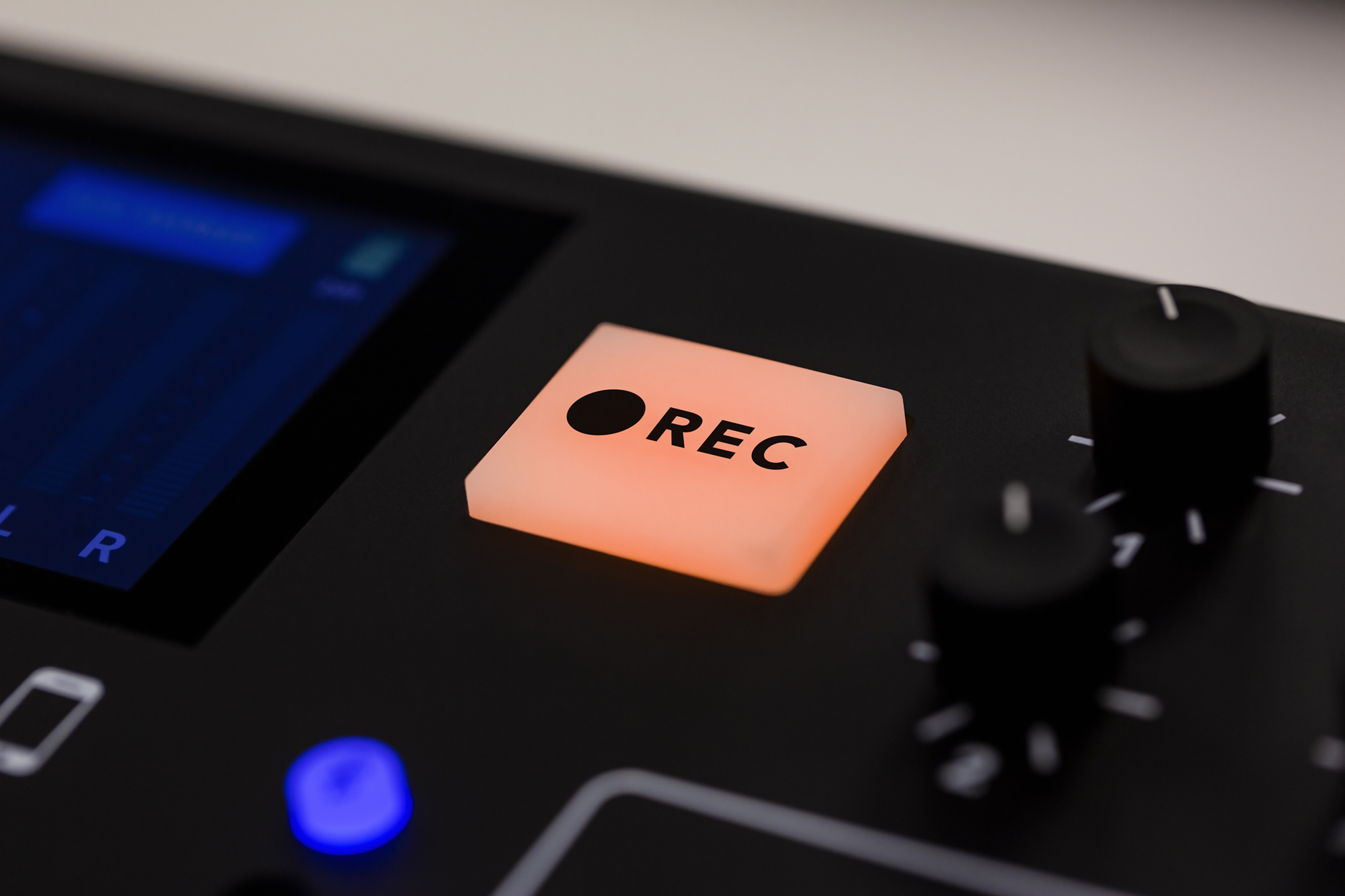RØDECaster firmware 1.2.0 adds multitrack polyWAV to microSD + more 10