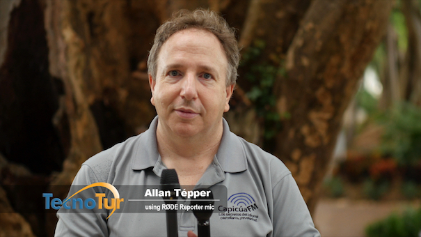 RØDE Reporter Allan standup 605