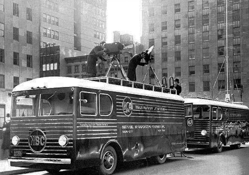 Remote Broadcasts: Television's Traveling Roadshow 1