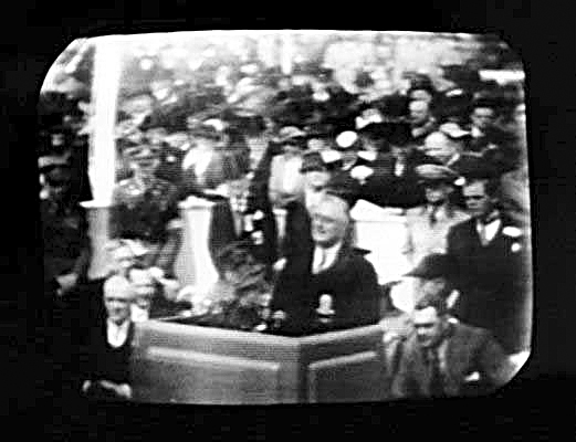 American President Franklin D. Roosevelt opening the 1939 New York World's Fair on television. From www3.northern.edu/wild/th100/tv.htm