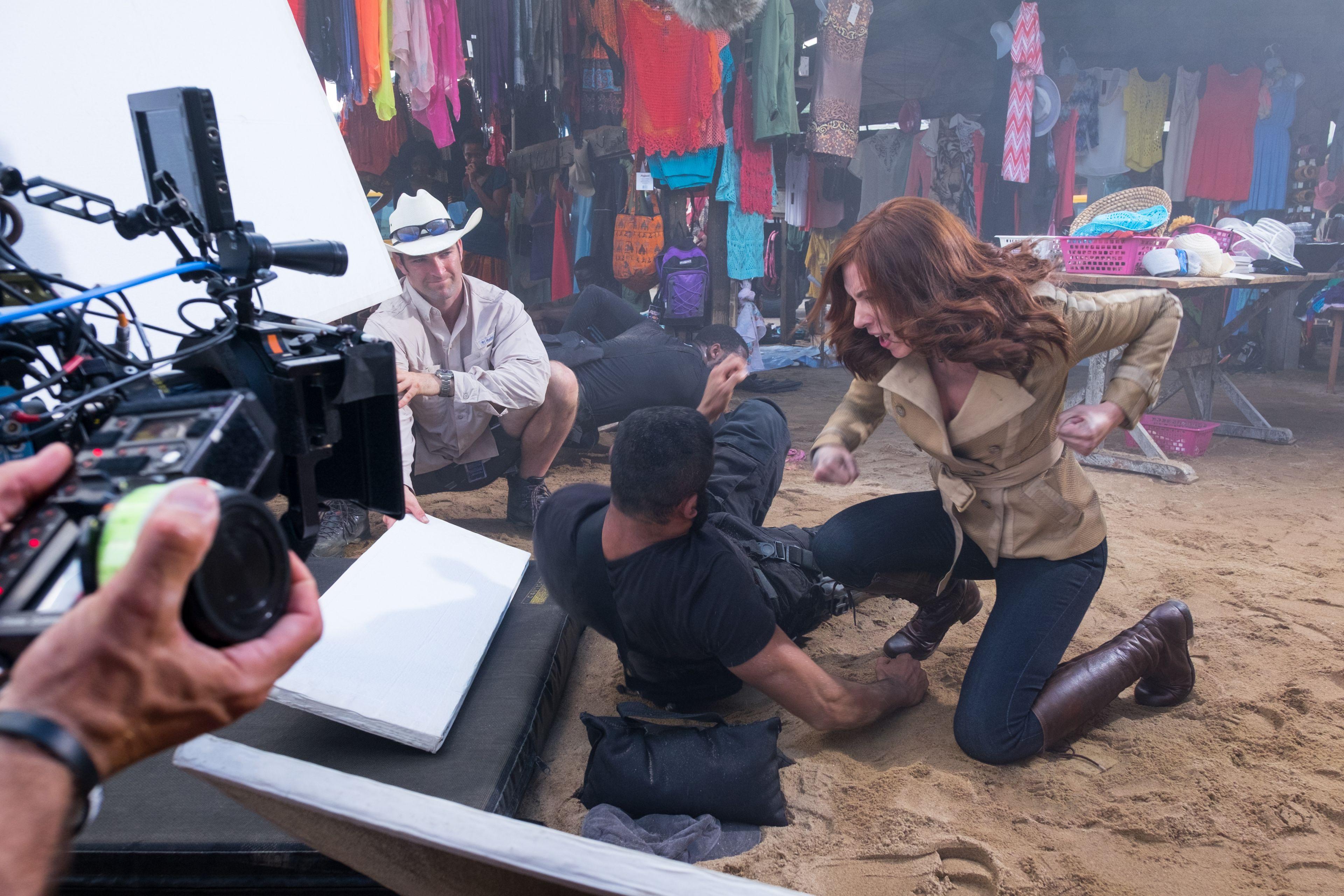 Marvel's Captain America: Civil War..L to R: Scarlett Johansson (Black Widow) on set...Ph: Zade Rosenthal ..©Marvel 2016