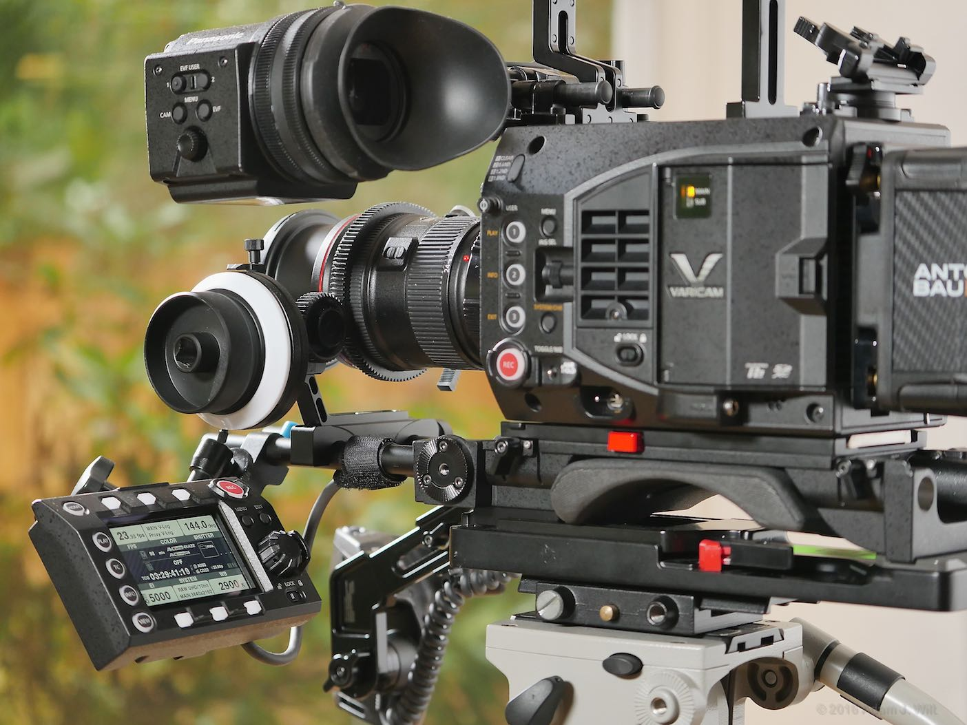 VariCam LT with control panel on front rod mount