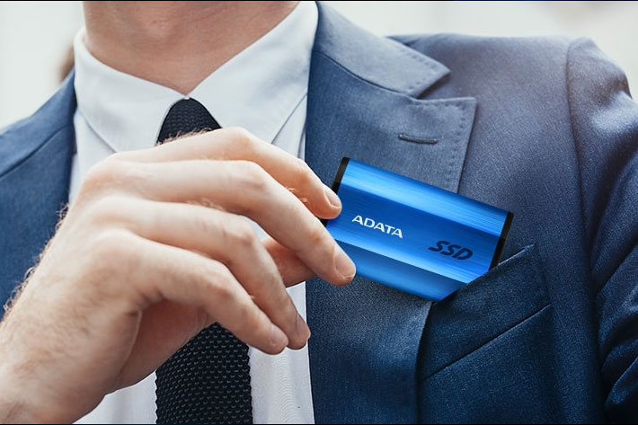 ADATA SE800: external SSD reaches read/write speeds of up to 1000 MB/s 2