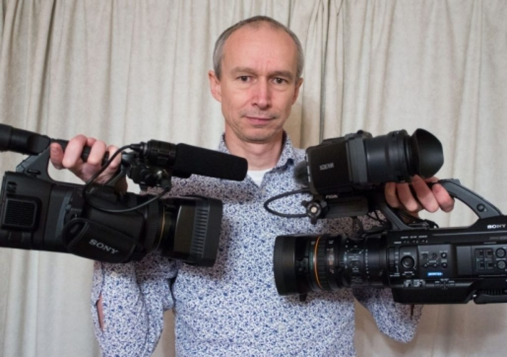 Which Sony Camera is Going to Work Better for Your Production, the PXW-Z100 or PMW-300? 7