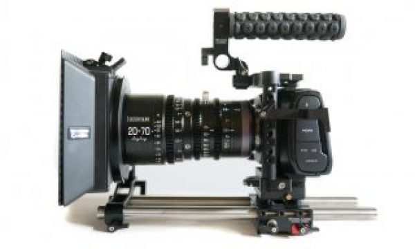 Reviewing the New DZO Film 20-70mm T2.9 MFT Cinema Lens