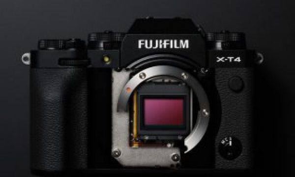 Fujifilm X-T4: a stabilized X-T3 with IBIS and new video options