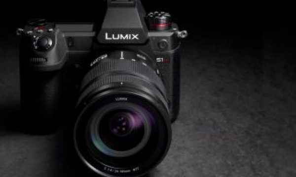 LUMIX S1H: mirrorless mobility with professional cinema quality