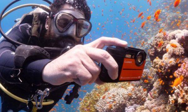 Underwater Panasonic Lumix TS7 4K action camera vs  FT7