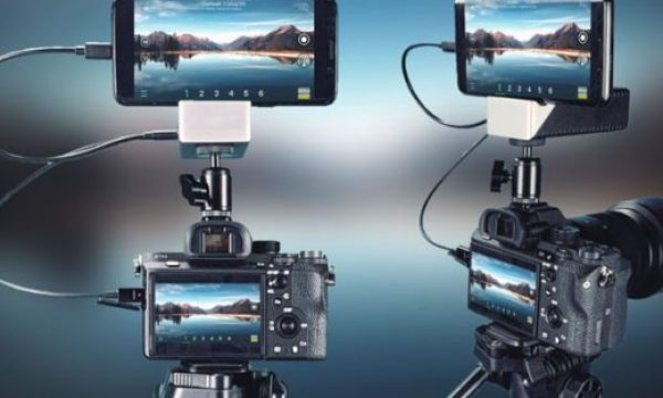 VidiMo: live video production solution with a smartphone and a video camera