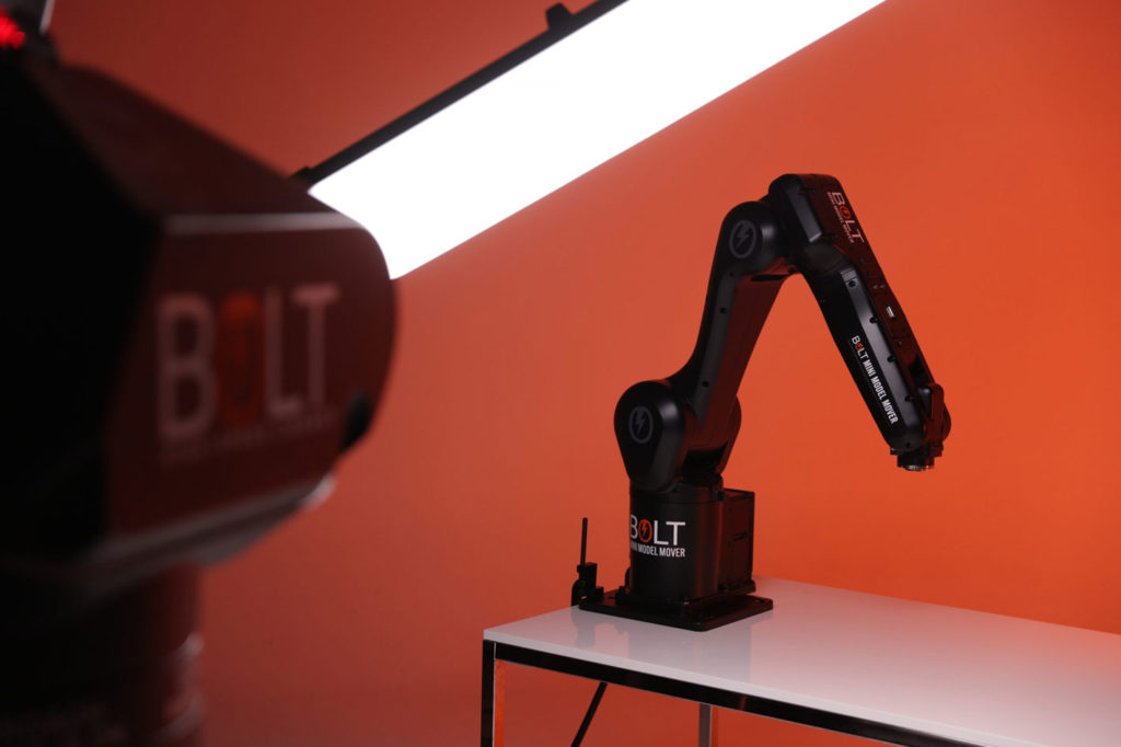 Bolt Mini Model Mover: the smallest robotic arm from MRMC