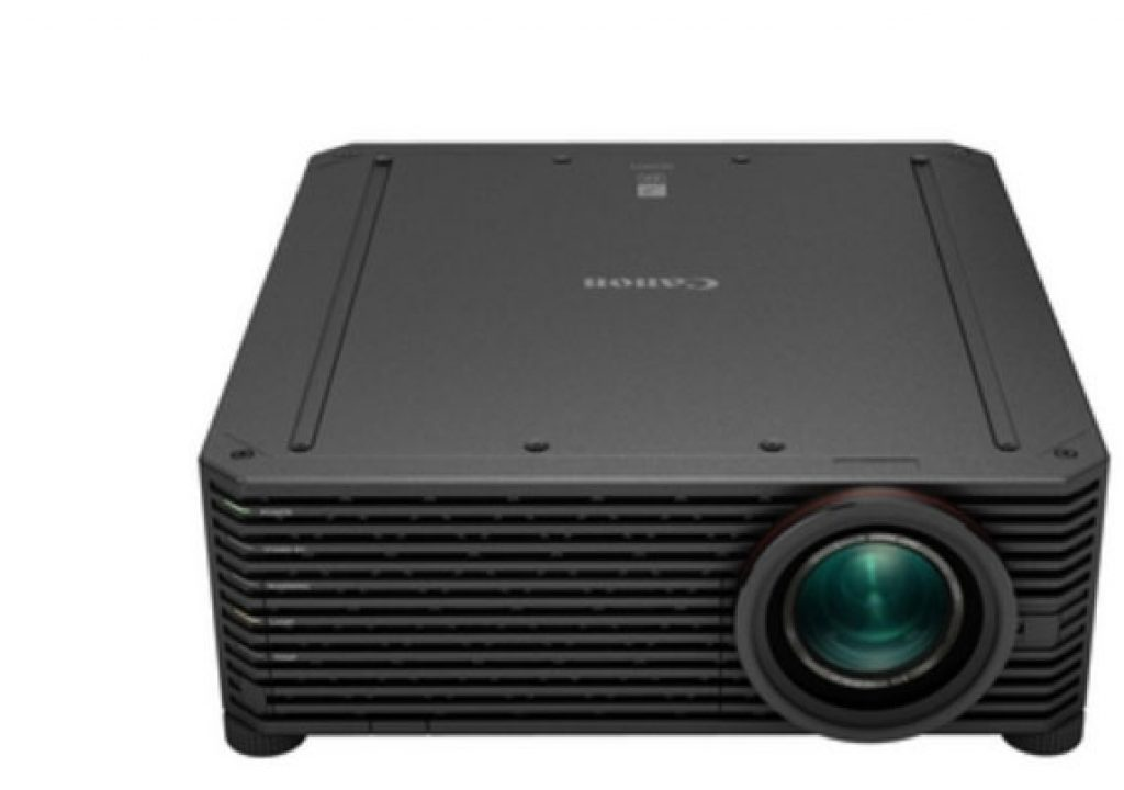 Canon develops lightweight 4K projector 1