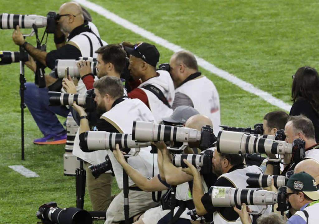 Canon lenses dominate Big Game