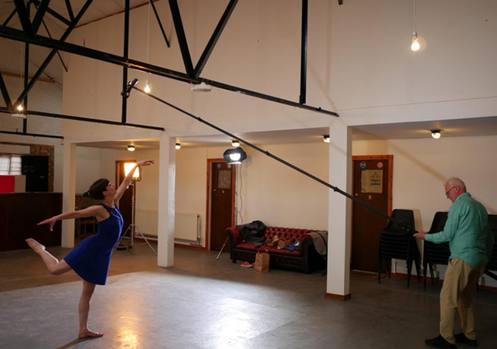 "Charters Pole: a portable ""crane"" for video and photography"