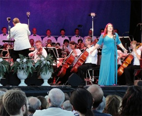 Full Compass Systems Sponsors 12th Annual Opera in the Park 4