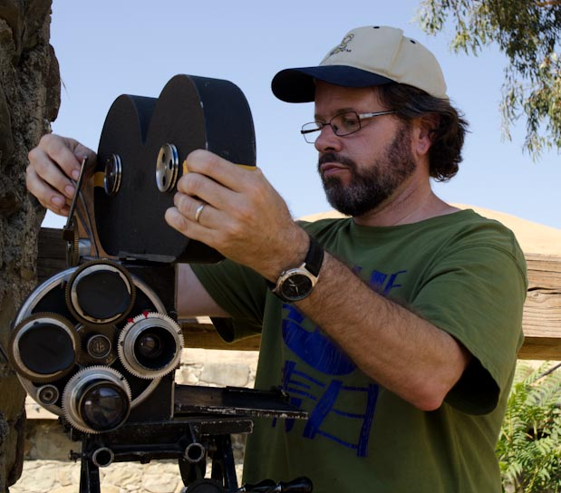 CAMERAS: Reloading a 90-Year-Old Film Camera 35