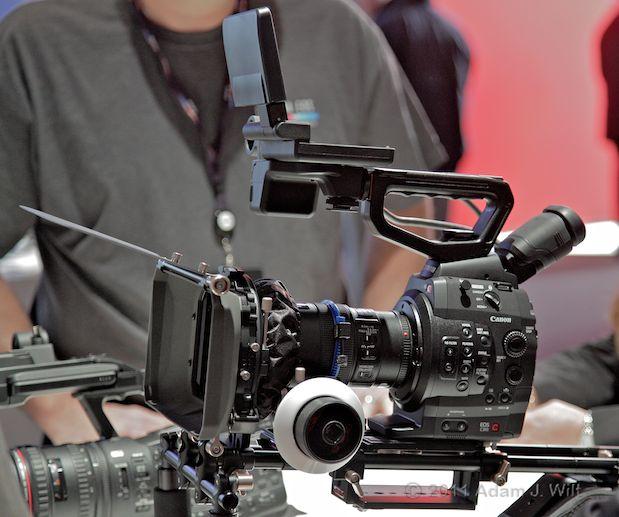 Quick Look: Canon EOS C300 LSS 1080p Camcorder 124