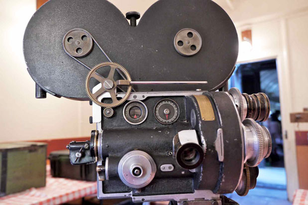 CAMERAS: Focusing and Setting Parallax on a 90-year-old Camera 15