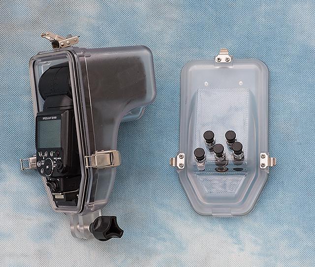 AquaTech underwater flash 3