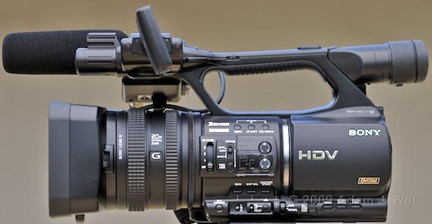 "Review: Sony HVR-Z5U 1/3"" 3-CMOS HDV Camcorder 33"