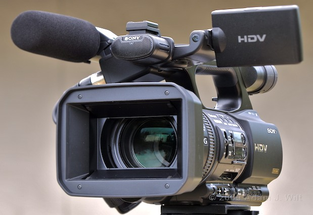 "Review: Sony HVR-Z5U 1/3"" 3-CMOS HDV Camcorder 31"