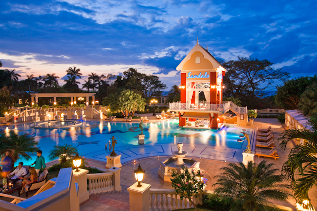 Sandals Resorts switches to Adobe Premiere Pro CS6, boosts productivity by up to 40% 11