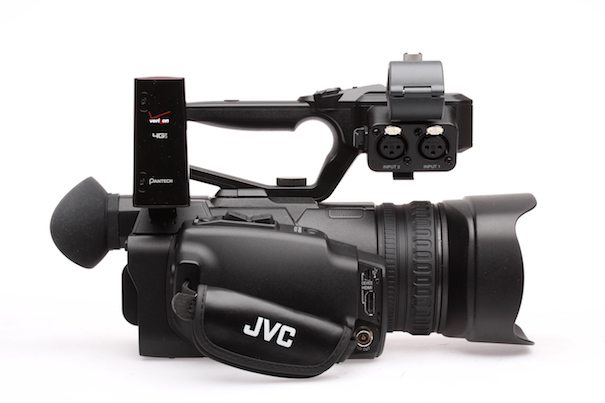 JVC GY-HM200 versus Sony PXW-X70: Let's compare them carefully. 16
