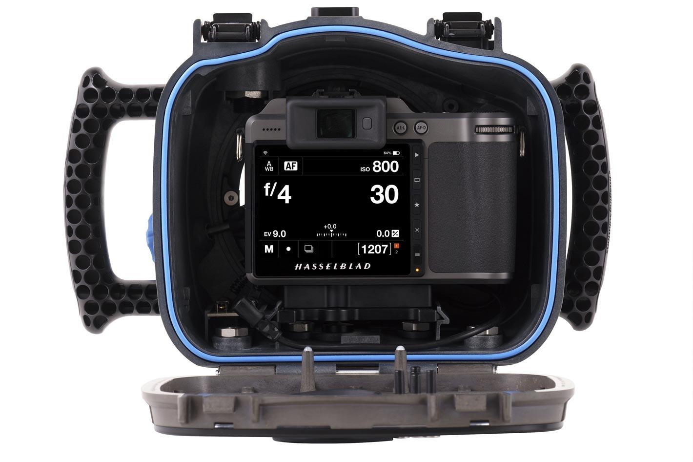 Hasselblad X1D II 50C gets an AquaTech underwater housing