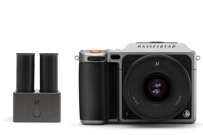 Hasselblad: a new release cord and charging hub for the X1D-50c mirrorless camera