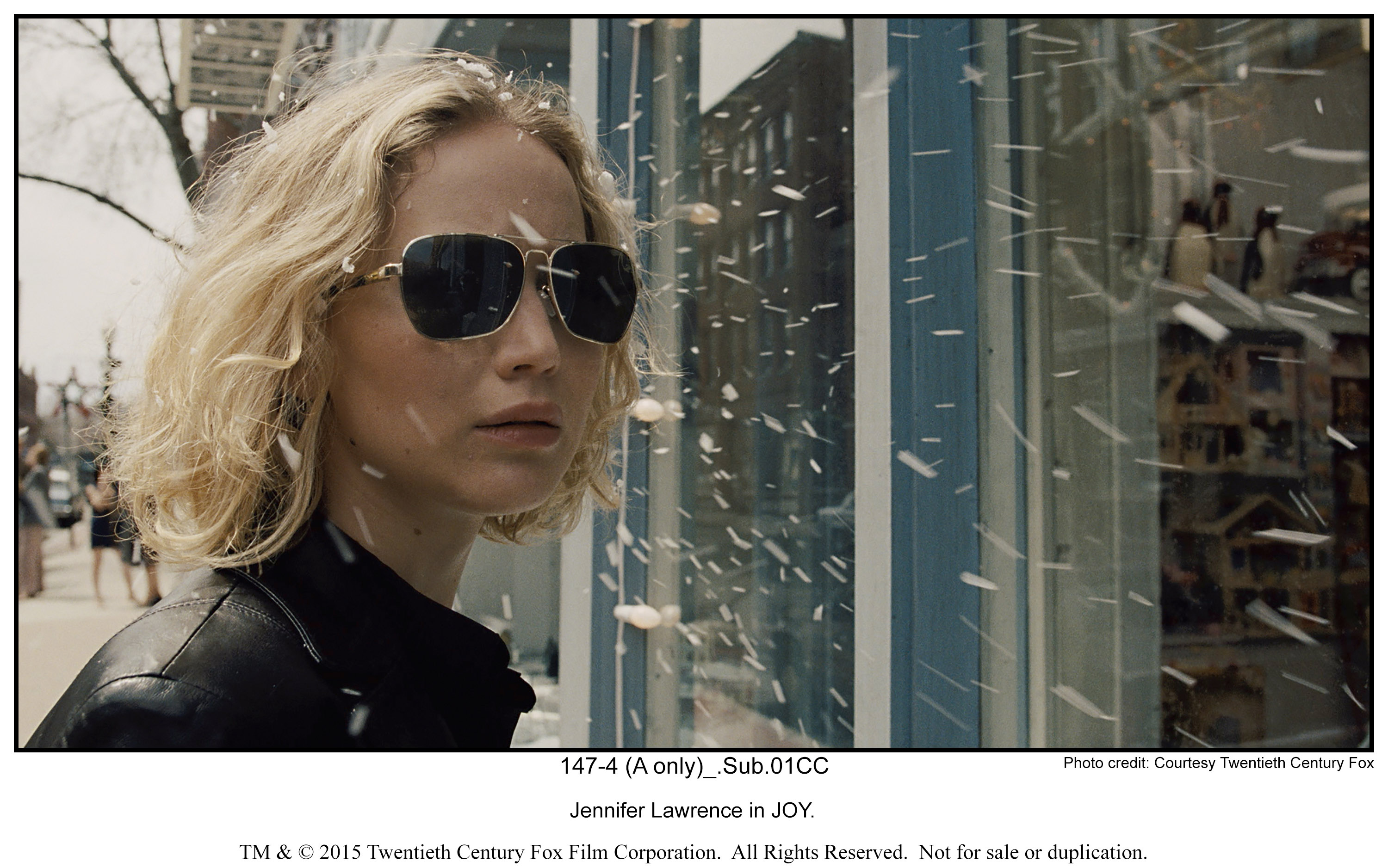 Jennifer Lawrence in JOY.