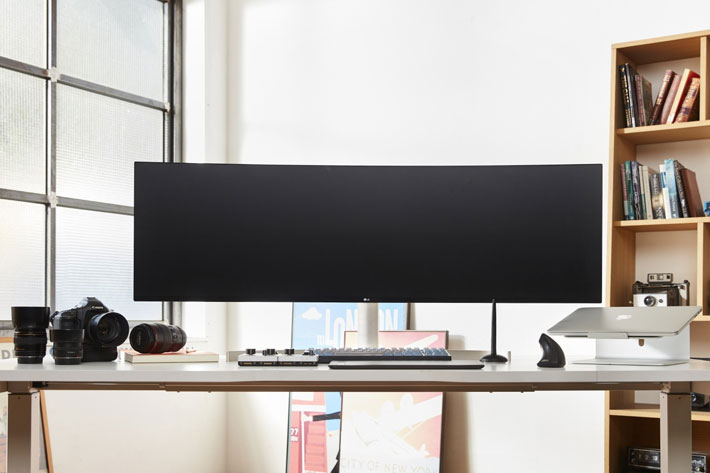 LG takes 49-inch superior productivity monitor to CES 2019
