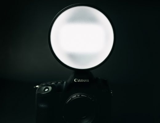 Lowel Go Lite, a compact LED panel with flash