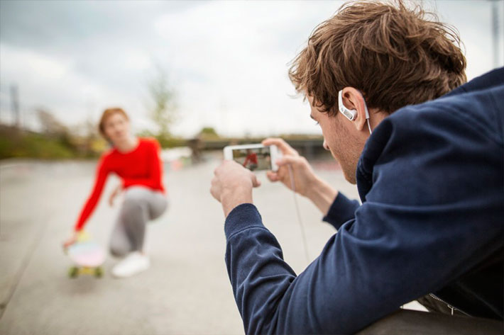 Memory Mic: a wireless microphone for smartphones
