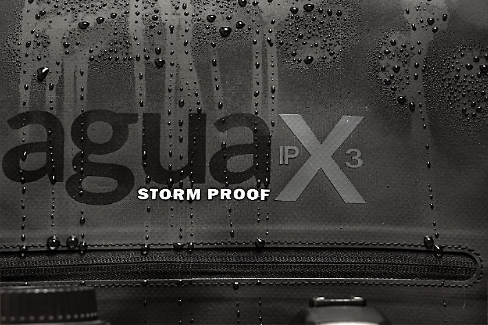Review: the Agua Stormproof Versa backpack